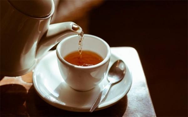 چای داغ نباید با این مواد ترکیب گردد